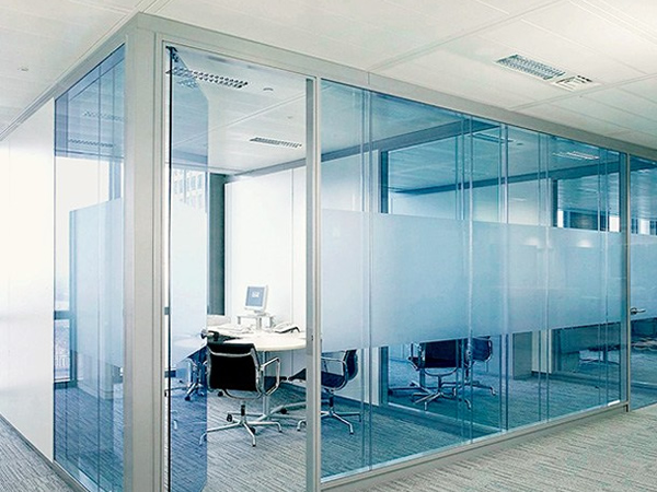 Benefits of Installing Glass Office Partitions | glassonweb.com
