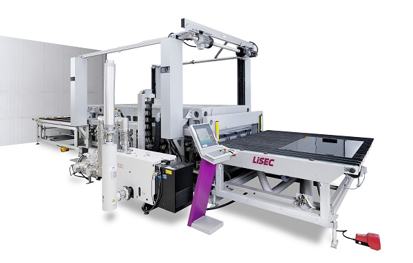 13 The Austrian company Lisec will be presenting numerous machines for the processing of thin glass at glasstec 2018 in Düsseldorf. (Photo credit: Lisec Austria GmbH)