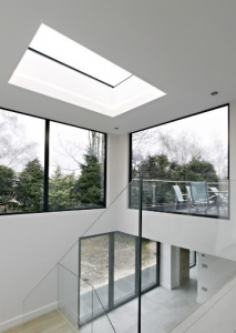 7 examples of natural light transforming living spaces
