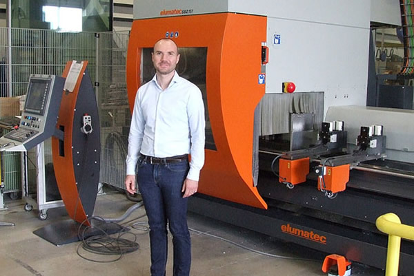 Led by owner and CEO Edward Kernen, AAV Contractors also meets specialised customer requirements using its expertise and state-of-the-art machinery. The elumatec SBZ 151 5-axis profile machining centre ensures efficient aluminium machining processes.