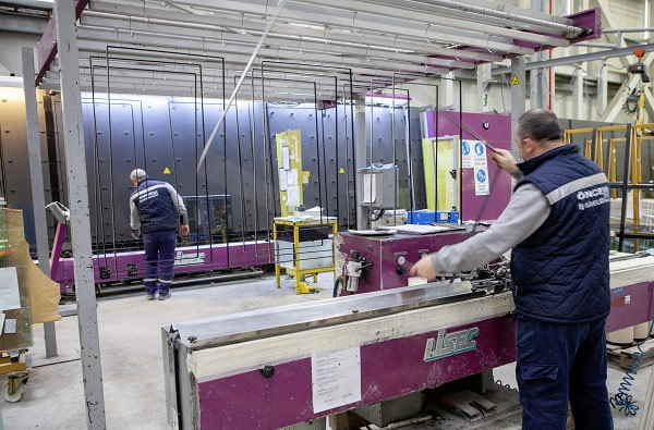 Processing flat glass is more than just buying machines | LiSEC