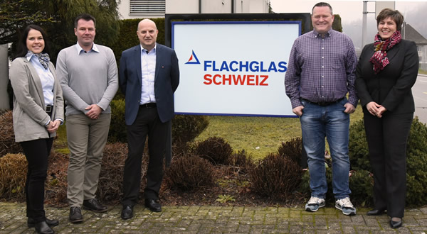 Software partnership for more than a decade and a half – from left: Bettina Jost, A+W Marketing Director; Marco Stöhr, Production Manager FLACHGLAS SCHWEIZ; Beppino Candolo, Managing Director FLACHGLAS SCHWEIZ; Ivan Schmid, IT Manager FLACHGLAS SCHWEIZ; Sandra Kugler, A+W Sales and Customer Support for the Flachglas Group