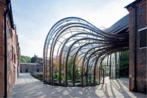 Image 10 Greenhouses for Bombay Sapphire, side elevation of the tropical greenhouse © Iwan Baan