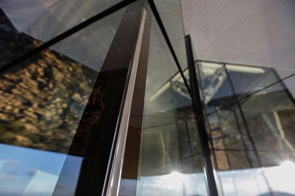 Glass Performance versus Aesthetics