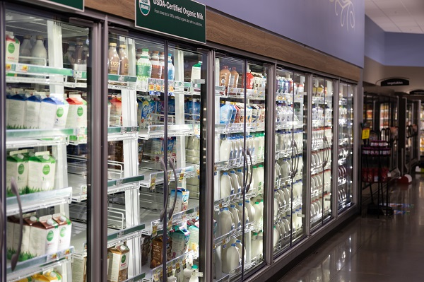 Guardian Vacuum IG™ creates an optimal shopping experience at a supermarket in the United States.  | Photo Guardian Glass, LLC