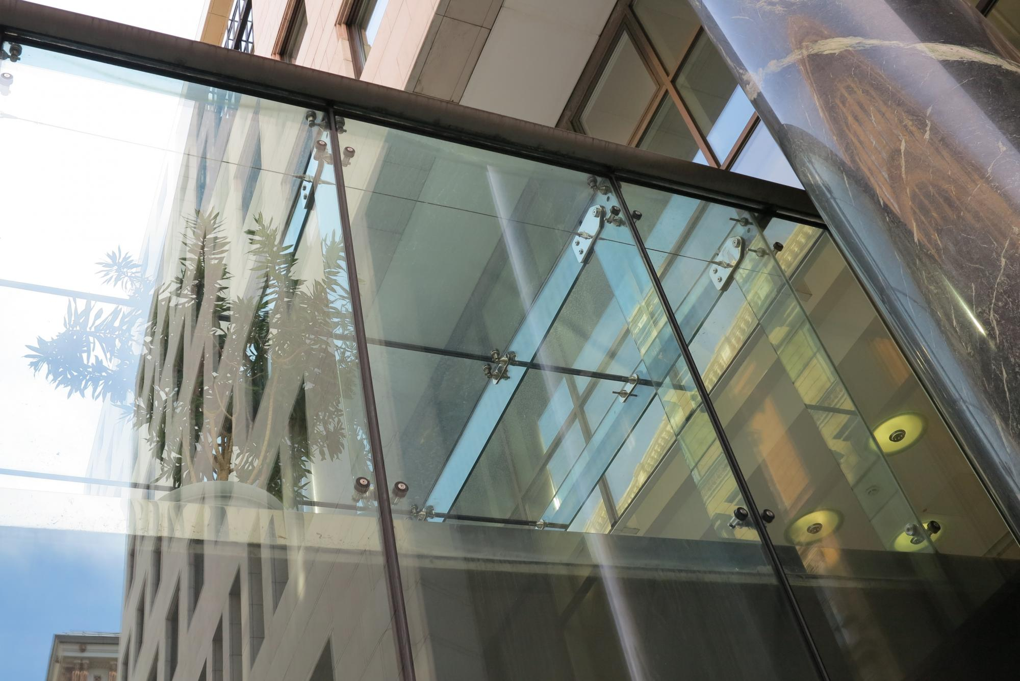 point-fixed-glass-facade