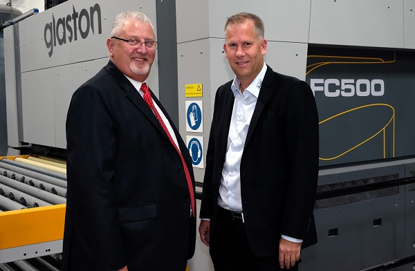 Euroview Managing Director Steve Larvin (left) knows how to make an insulated glass plant fit for the commercial sector. Right: Pontus Levin, A+W Sales Director North‐Eastern Europe and provider of customer support for Euroview.