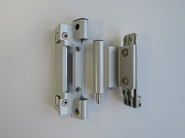 "Faster production with the ""Roto AL"" preassembled hinge side"