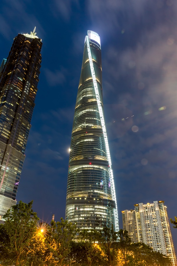 Shanghai Tower in Shanghai-City with SentryGlas®*