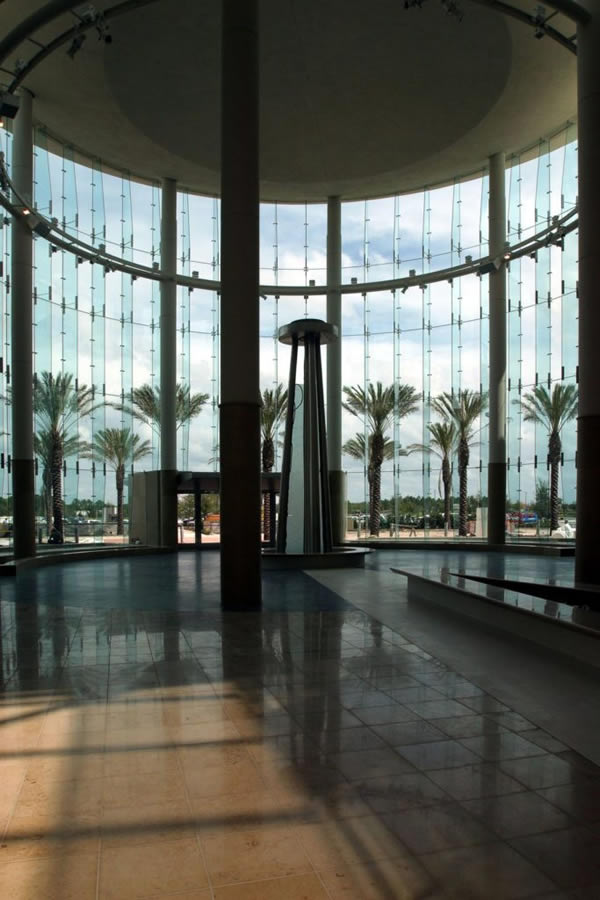 The Mall at Millenia Entrances Entice Shoppers