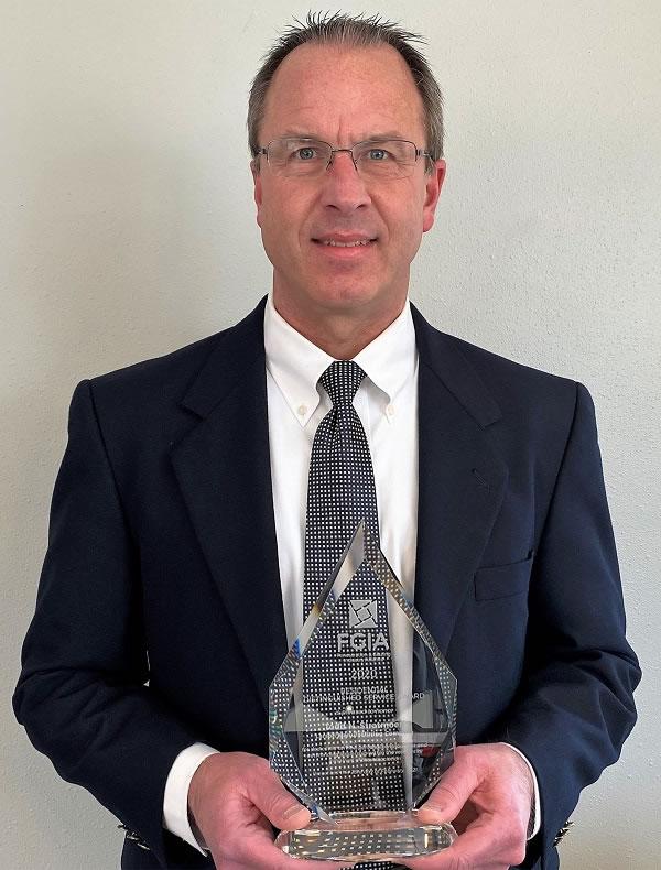 Todd Stratmoen (Larson Manufacturing Company)
