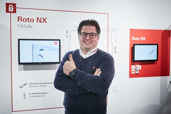 "Philipp Zink is of the opinion that ""Roto NX"" has a ""strong differentiating factor."" The benefits offered to end customers are the main priority for the sales manager of Th. Zink GmbH, based in Bergen, Lower Saxony, Germany. The extensive Tilt&Turn hardware product range is setting ""new standards"" primarily in the design and security sector here. Photo: Roto"
