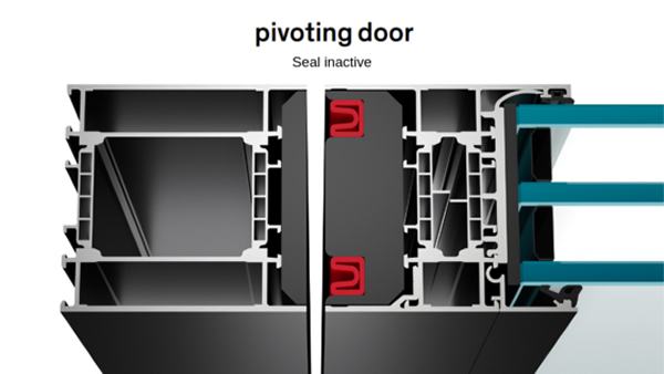 We also guarantee 100% tightness of the pivot door.