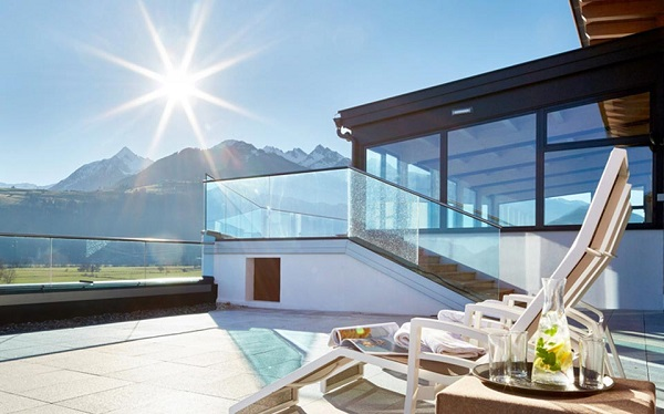 Enjoy the view – stunning AMG Glass Balustrades maximises light for Sonja Alpine Resort, in the Austrian Alps