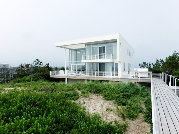A High Performance Complete Glazing Package for Oceanside Living