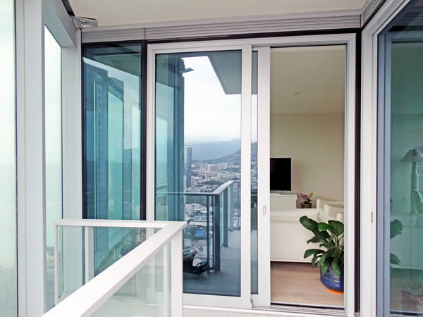 Case Study: Achieving Performance and Style on a Large Scale with Lift Slide Doors