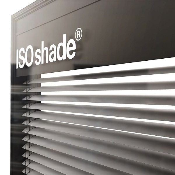 ISOshade® is an insulation glass unit and can be installed in mullion/transom or unitised façades. ©iconic skin