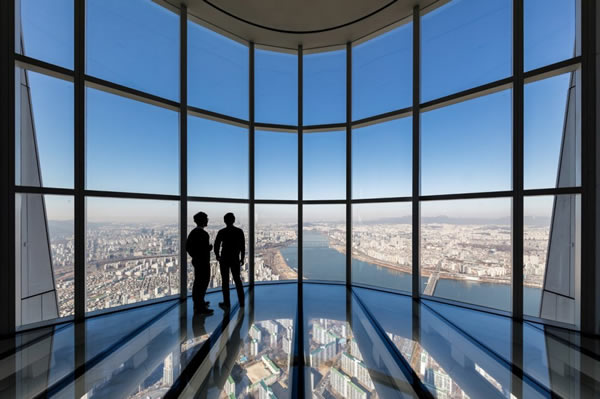 Lotte World Tower Observation Deck © Tim Griffith