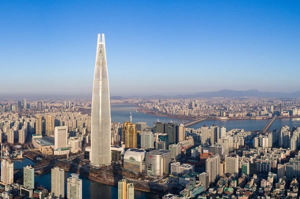 Lotte World Tower © Tim Griffith