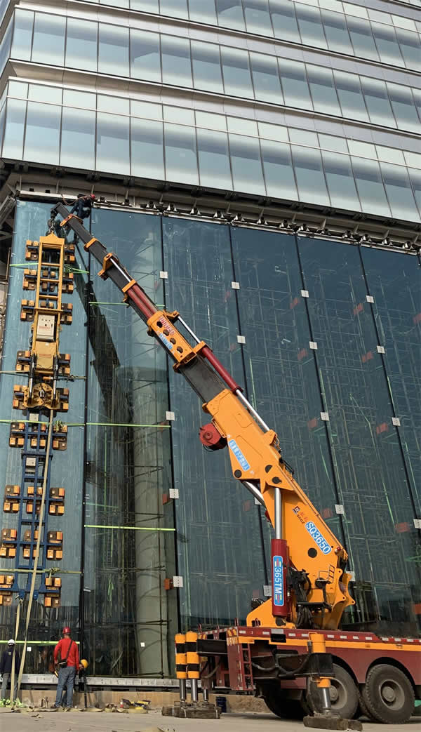 17.1 Meters! NorthGlass Super Glass on Taikang Financial Tower