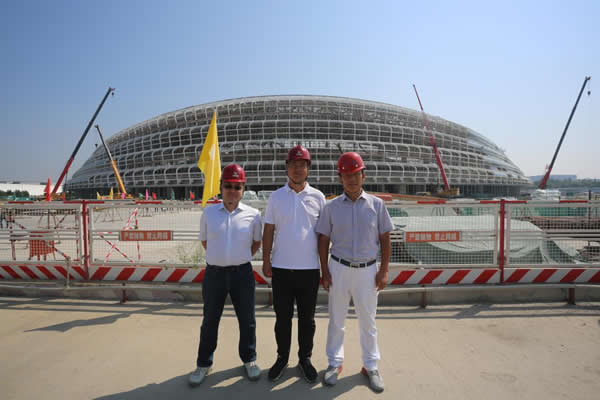 On September 7, Gao Li, President of NorthGlass, Gao Qi, Vice President of NorthGlass And General Manager Of Tianjin NorthGlass Came to the Construction Site to Check the Supply Progress