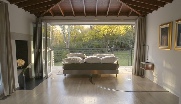 Make Your Outdoor Bedroom Dreams Come True With An Opening Glass Wall