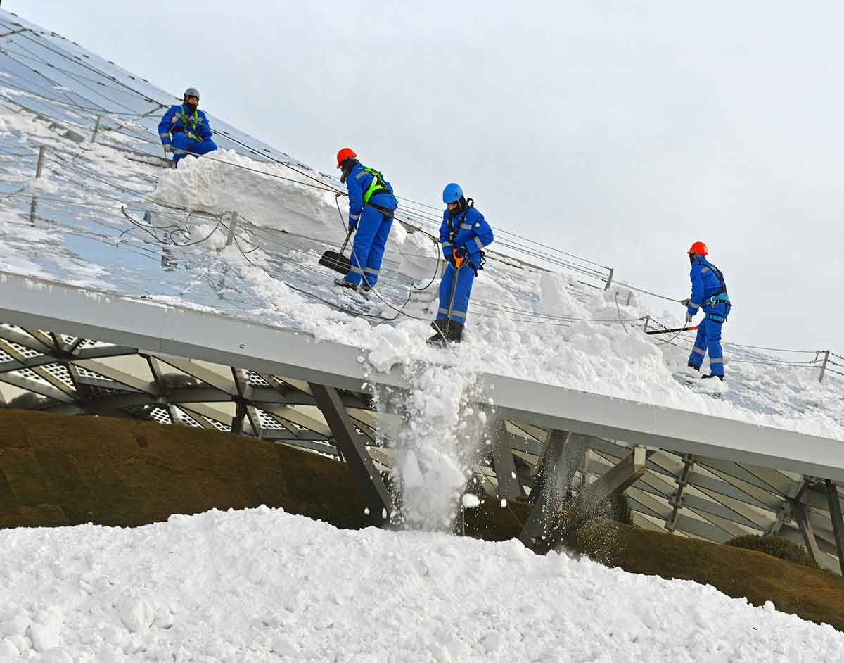 Snow load on glass roof