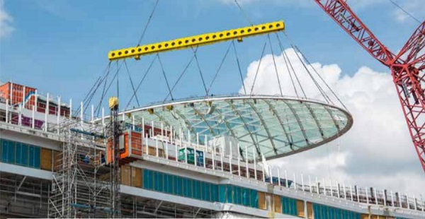 The SkyDome was assembled directly next to the ship in the Papenburg shipyard and then lifted onto the 18th deck in one manoeuvre. Image © P&O Cruises