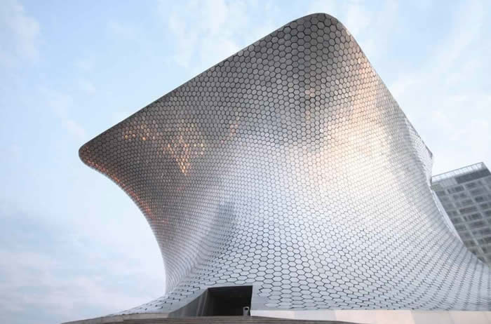 Museo Soumaya: the external facade became an award-winning and much-renowned application.