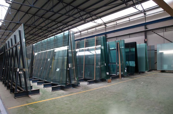 How the storage of laminated glass affects the glass cutting