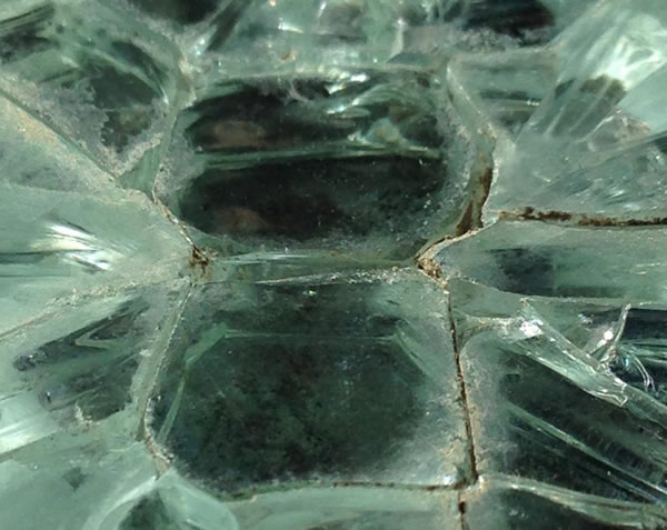 Glass that has been shattered due to an NiS stone. Picture:Giorgio Marfella