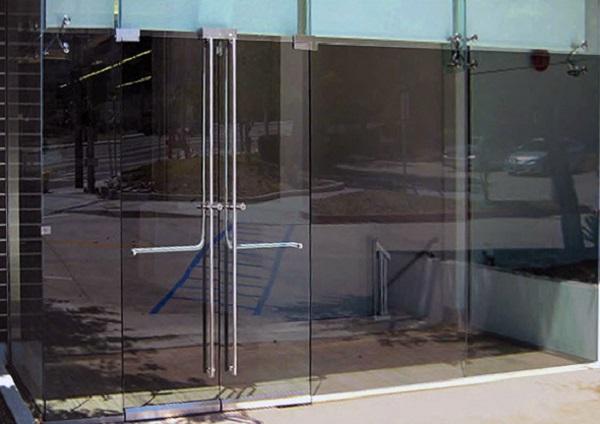 Glass Panic Device Doors Glassonweb Com