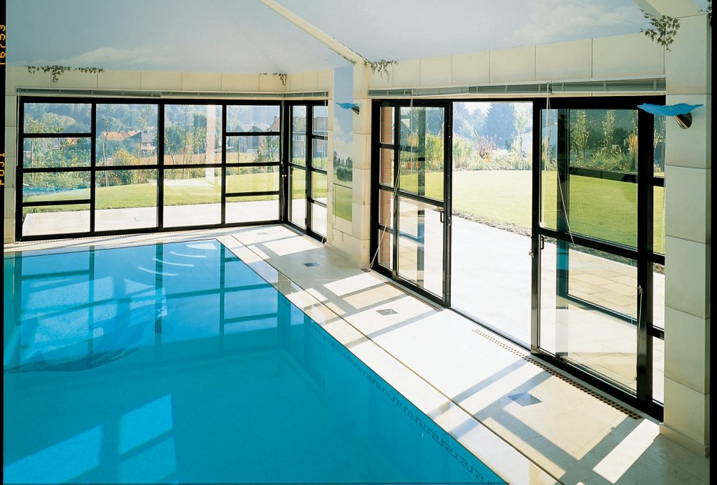 Sliding patio doors u2013 the perfect solution for any pool house | glassonweb.com & Sliding patio doors u2013 the perfect solution for any pool house ...