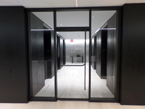 Corporate Interiors Elephant Door Amp More Glassonweb Com