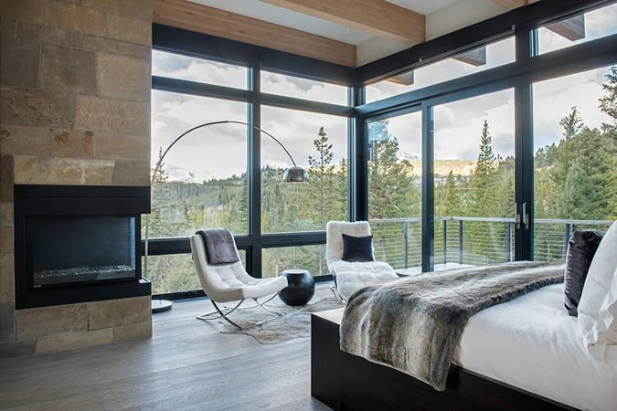 Architectural Glass Walls Offering 360 Degree Views And