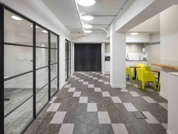 Natural Light: Clement Steel Screens Make Your Space A Great Place To Work  | Glassonweb.com