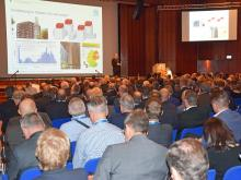 Prof. Ulrich Sieberath (Director of ift Rosenheim) at the opening lecture of last year's Rosenheim Window & Facade Conference (Source: ift Rosenheim)