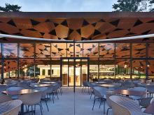 Graphic architecture in the Brix 0.1 restaurant built with WICONA aluminium systems