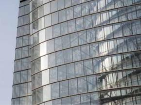 The primary reasons for choosing SentryGlas® interlayer were the enhanced strength it provided to the overall glass assembly and the elimination of any edge delamination due to exposed glass edges in the structural silicone façade glazing