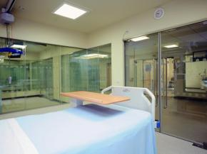 How Switchable Glass Benefits Healthcare & Medical Environments