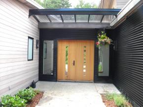 How to Choose The Perfect Glass Canopy for Your Front Door