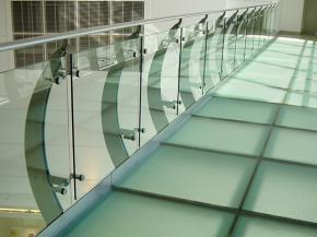13 glass balcony and glass balustrade designs to inspire you