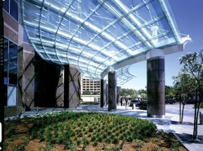 Creating Lasting Impressions with Glass Canopies