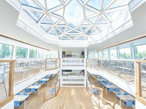 Full energy efficiency ahead: Carbon-neutral passenger ship with glass solutions from Glas Troesch