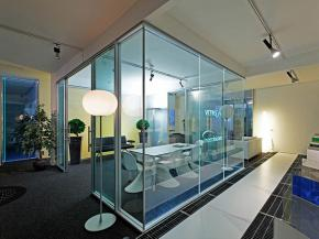 Glass Furniture: everything is born and develops in Vetroin