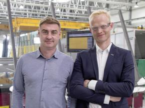 Karol Mielnik, Managing Director of LiSEC Poland and Andrzej Gołembiecki, Production Manager Insulated Glass in the production site near Cracow.