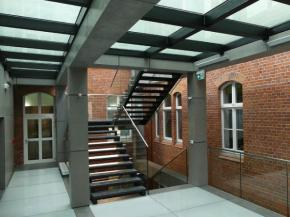 Oskar Kolberg Music School in Szczecinek. The staircase ceilings of two floors have POLFLAM® F REI 60 glass.