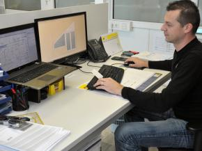 In an integrated, consistent industry software such as A+W Cantor, the manufacturing status of each element is also known at all times in order processing, since all company divi-sions work on the same database