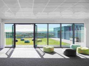 Soaring Glass Wall Provides Centrepiece for Cutting Edge Technology Firm HQ