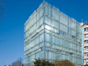 ERCO individual LED lighting tools for an award-winning facade lighting concept: SPG Headquarters Geneva